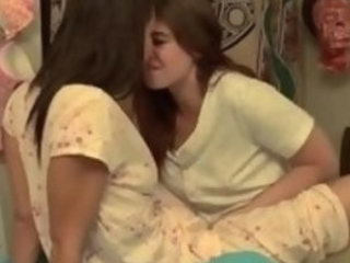 Lesbian bffs fingering and eating pussy
